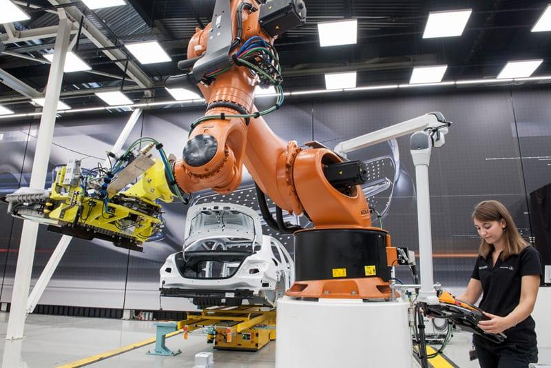 Industry 4.0 - Mercedes-Benz