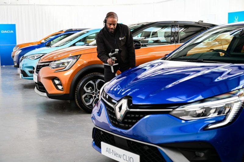 Renault virtual showroom guru