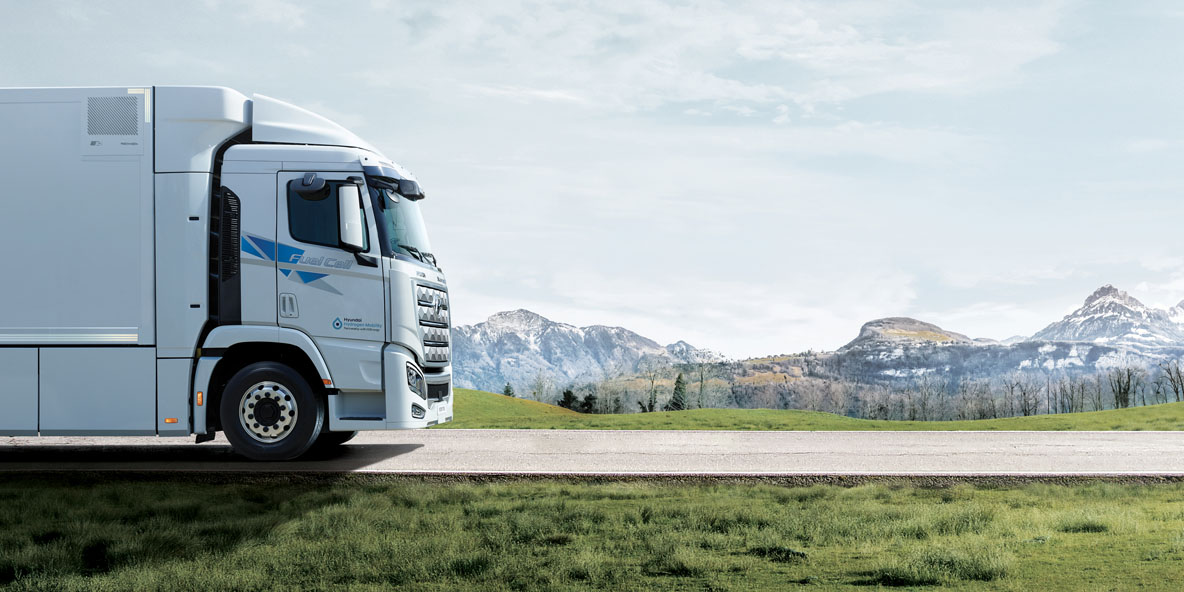 How is the commercial vehicle industry preparing for fuel cell technology?