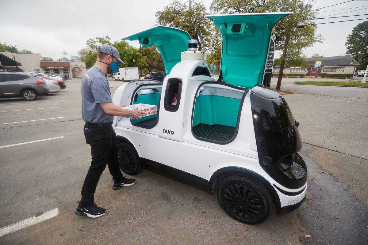Nuro autonomous pizza delivery