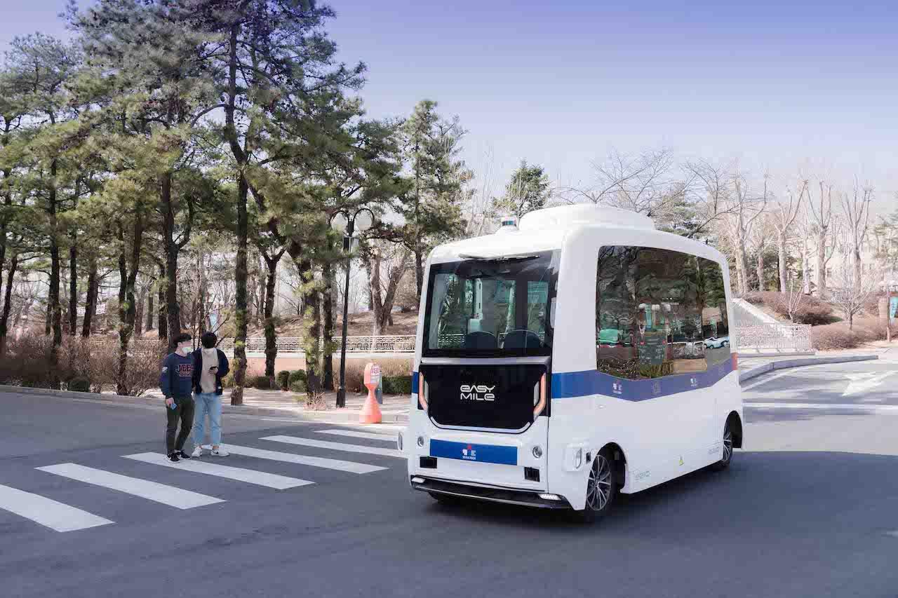 Easymile autonomous shuttle in Korea